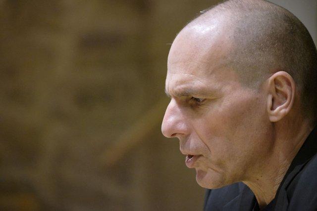 Varoufakis ist überzeugt: Wenn mehr Menschen wüssten, wie die die Geldschöpfung funktioniert, hätten mehr Menschen was dagegen.