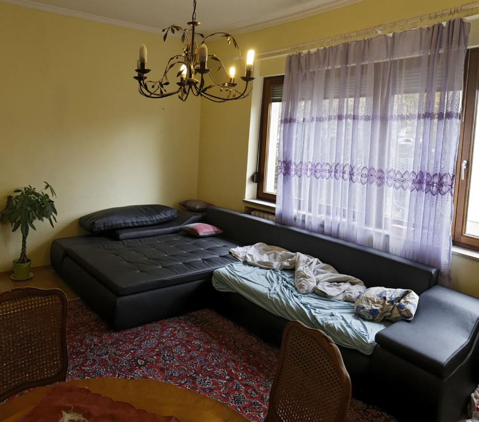 kontext wochenzeitung ausgabe 241 albtraum wohnen. Black Bedroom Furniture Sets. Home Design Ideas