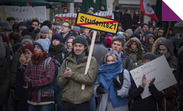 Demonstrierende StudentInnen