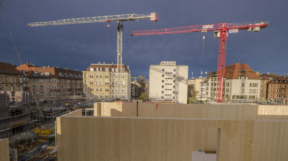 Aber Fünf Prozent Der CO2 Emissionen Stammen Derzeit Aus Der  Zementproduktion. Und Gebaut Wird Vorwiegend Mit Beton. Das Haus Der  Baugemeinschaft MaxAcht ...